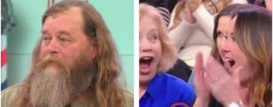 Han er ikke blevet klippet i 20 år – se konens reaktion efter han har fået en utrolig makeover!