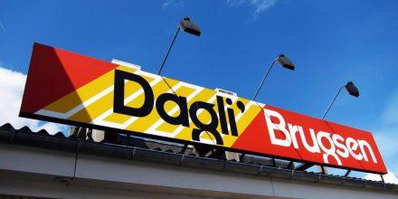 Forældrepar stjæler for tusindvis af kroner i Dagli' Brugsen – imens børnene sidder ude i bilen og venter