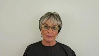 Moderen havde makeup på hver eneste dag i 50 år – se nu familiens reaktion, da de ser hende UDEN makeup!