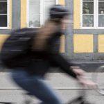 """Flere politikere støtter op omkring Simones lovforslag: """"Cykelhjelme SKAL være lovpligtige"""""""