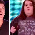 Han blev mobbet for sin vægt og savet over af dommeren Simon – blot få sekunder senere er alle i publikum stumme
