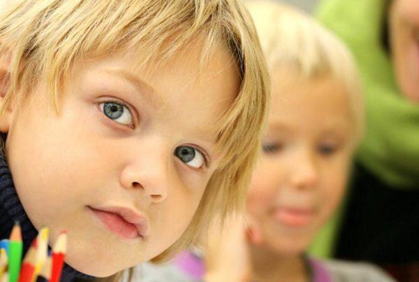 Vittighed: Lille Gitte skulle have sin første seksualundervisning og fik lektier for - hendes svar næste dag i skolen er uhørt morsomt!
