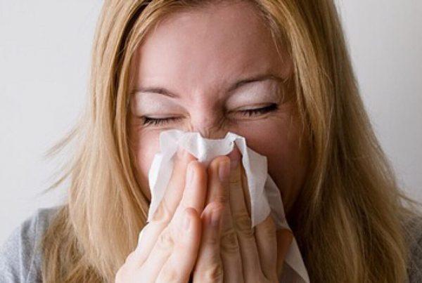 Forkølelse: Derfor bliver du syg om sommeren