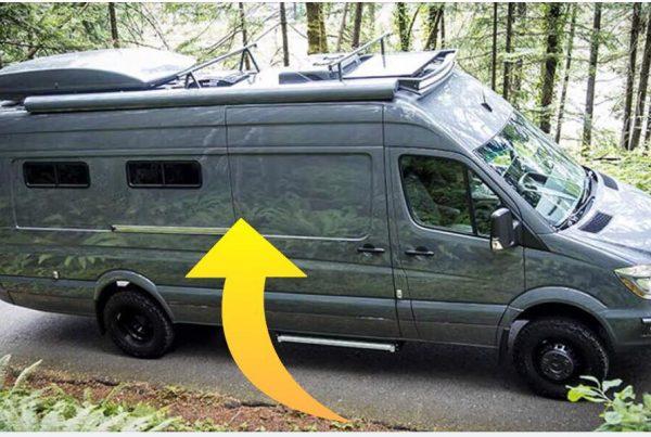 Det ligner måske en helt almindelig varevogn - vent til du ser den indenfor