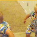 """Mor siger: """" Gå i seng"""" til sine sønner – tvillingernes reaktion spredes nu som en løbeild på nettet!"""