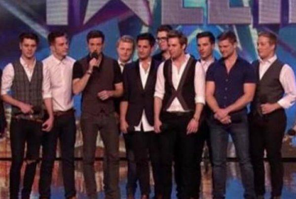 Simon var kritsik overfor de 12 fyres sangvalg - måtte dog vise et lille smil i slutningen af auditionen