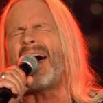 64-årig herre stiller op i sangkonkurrence – dommerne var ellevilde!