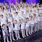 81 skolebørn har fået ALLE på nettet til at juble: Se deres utrolige fortolkning af Queen-klassiker!