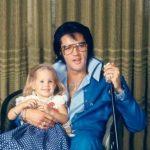 """Elvis' datter Lisa Marie Presley begynder at synge klassisk sang – hør deres vidunderlige """"duet"""""""