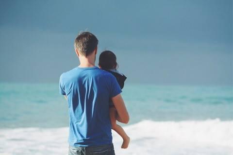 Nærværende fædre får kloge børn - det viser ny forskning.