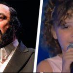 Pavarottis barnebarn stiller sig op på scenen – vent til hun åbner munden