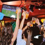 Drømmejobbet er ledigt: Bliv betalt for at se og fodbold og drikke øl!