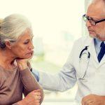 Vittighed: Konen går til lægen og får underligt råd, der kan hjælpe på mandens temperament – 2 uger senere kommer hun tilbage med tårer i øjnene.