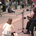Disse gademusikanter viser præcist hvad musik handler om