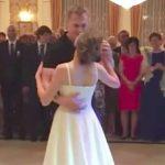 Brudeparret gør ALLE gæsterne mundlamme, Klassisk brudevals? Nej! 6 millioner har allerede set klippet!