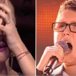 """10-årig dreng synger det verdenskendte hit """"Show Must Go On"""" – dommerne tror ikke deres egne øjne!"""