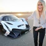 Se videoen: Hvor denne heldige blondine får æren at teste dette nye monster med 5.007 HK