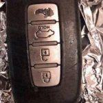 Genialt: Derfor bør du ALTID have sølvpapir om dine bilnøgler – Nu deles tricket sig som en løbeild på nettet!