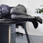 Derfor er det en god idé at tage en lur på dit job